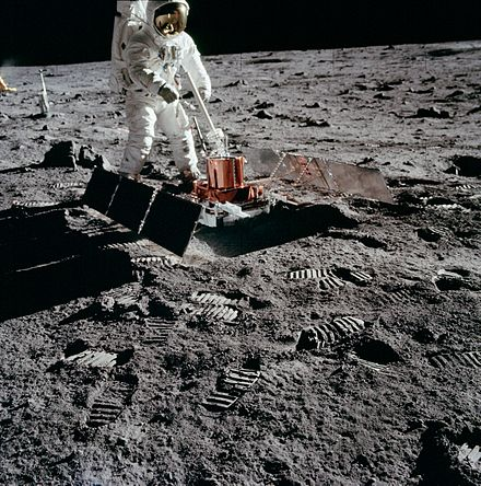 apollo 11 pictures - HD 1566×1600