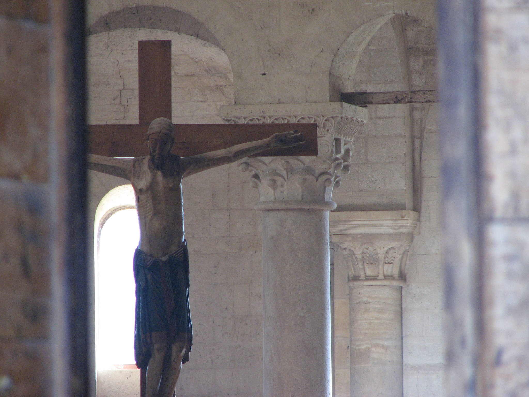 Abbazia di Sant'Antimo - 26 - Il crocifisso dell'altare maggiore
