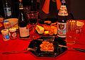 Ahmbrot (=Abendbrot) mit Kümmelsülzwurst, Rot- und Apfelwein.jpg