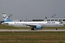 Aigle Azur A321 F-HBAF.jpg
