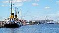 Am Hafen in Flensburg (Im Hintergrund Flensburger Schiffbau-Gesellschaft mbH ^ Co. KG - panoramio.jpg