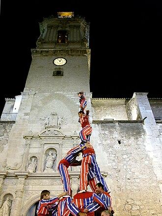 Muixeranga - Muixeranga in front of church Sant Jaume d'Algemesí.