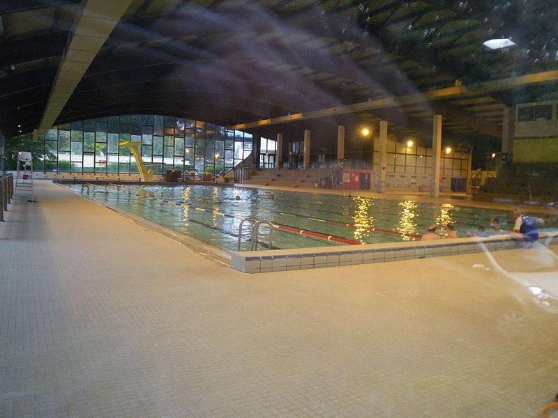 File Amn Ville Swimming Pool Wikimedia Commons
