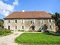 Ancien château des Mauclerc. Ougney-les-Champs.jpg