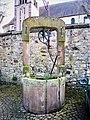 Ancien puits, place de l'église.jpg