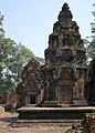 Angkor-Banteay Srei-13-Prasat-2007-gje.jpg