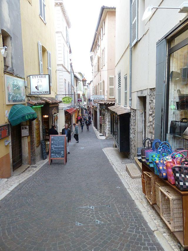 Rue James-Close