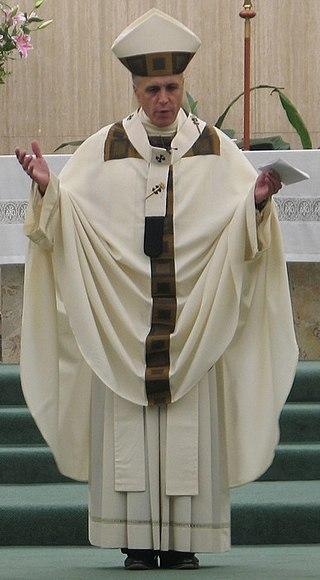 https://upload.wikimedia.org/wikipedia/commons/thumb/5/5a/Archbishop_Daniel_Dinardo.jpg/320px-Archbishop_Daniel_Dinardo.jpg