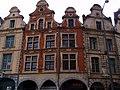 Arras façades de la Place des Héros.jpg