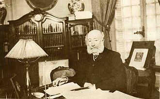 Arthur Meyer (journalist) - Arthur Meyer in his office