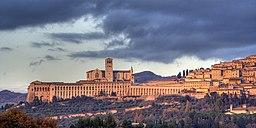 Assisi med Franciskanerordens moderkloster.