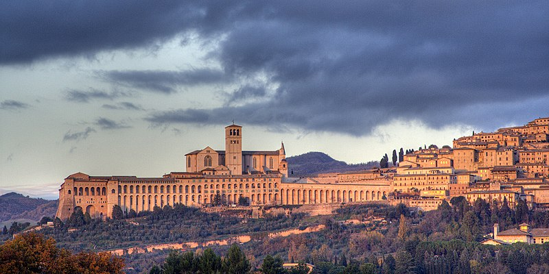 File:Assisi-skyline.jpg