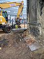 Aushub per Bagger 1m Alter St. Nikolai-Friedhof Nikolaikapelle Hannover, 12c Schädelknochen Gebeine Blick Richtung Freundeskreis Hannover.jpg