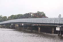 Temporary bridge