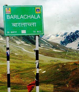 Bara-lacha la - Baralachala signpost