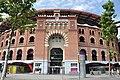 Barcelona- Arenes de Barcelona, obra d'August Font i Carreras (1900). Plaça de braus remodelada i transformada en centre comercial segons projecte de Richard Rogers (2011) (9647660744).jpg