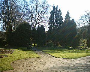 Beauchief Gardens - Image: Beauchief Gardens Park 14 04 06 1
