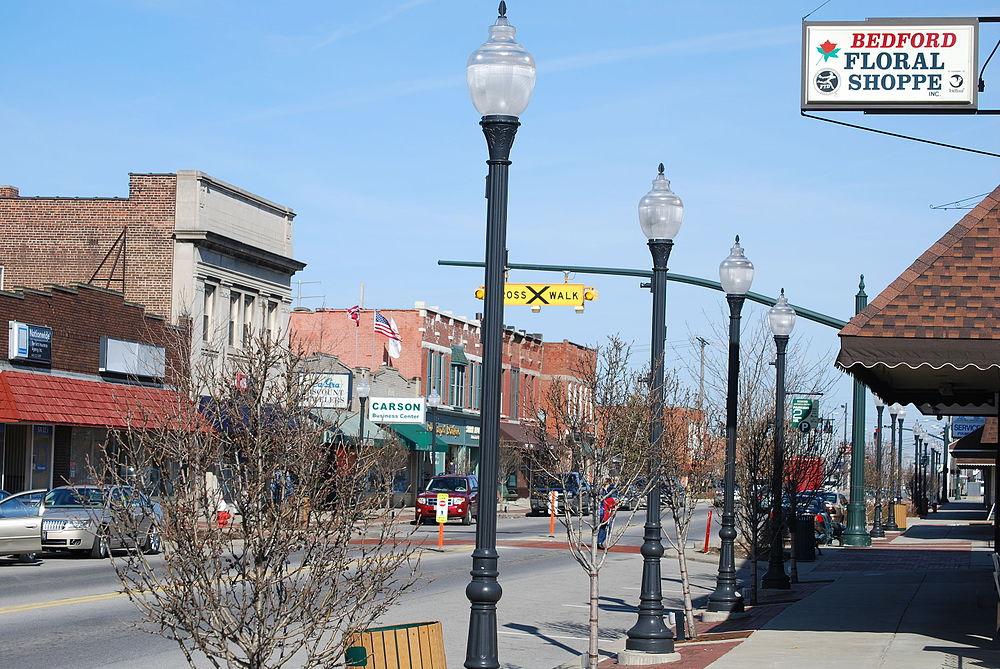 The population density of Bedford in Ohio is 934.52 people per square kilometer (2421.11 / sq mi)