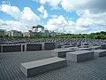 Berlin, Denkmal für die ermordeten Juden Europas 2014-07 (3).jpg