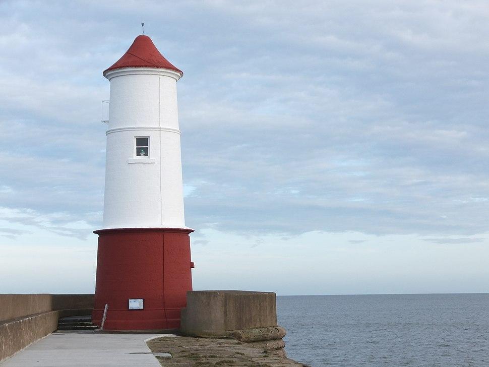 Berwick Lighthouse geograph - 3317786