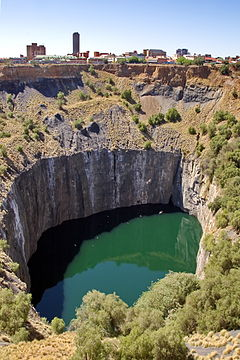 Big Hole Kimberley RSA (JAR) (2).jpg