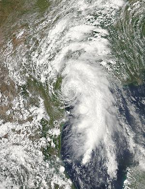 2015 Atlantic hurricane season - Image: Bill 2015 06 16 1955Z