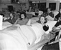 Blaas-maal mondorgelorkest in sanatorium Julianaoord te Laren, Bestanddeelnr 906-0979.jpg