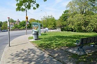 Castle Frank station - Bloor–Parliament Parkette in 2013 has a bus stop beside it