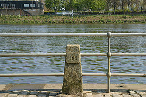 The Championship Course - Image: Boat Race Finish posts