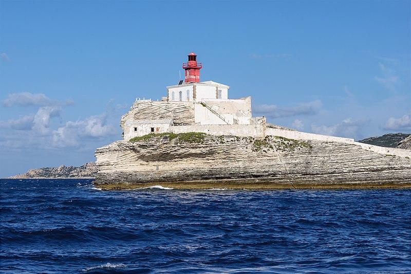 File:Bonifacio phare Madonetta 2.jpg