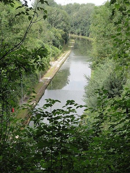 Bony (Aisne) Hameau de Macquincourt, Canal de Saint-Quentin vu de la sortie du tunnel de Riqueval, coté le Catelet.