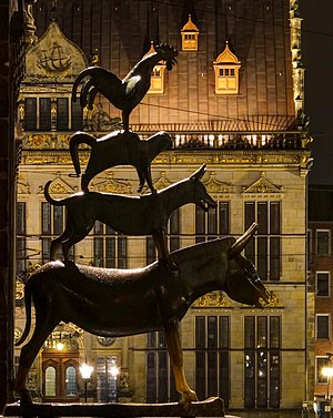 Gerhard Marcks House - Musicians of Bremen outline at night