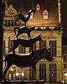 Bremen bei Nacht - Stadtmusikanten vor Schütting.jpg