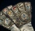 Broderade handskar från 1610 - Livrustkammaren - 55967.tif