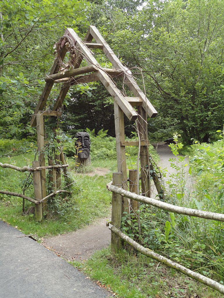 File Bryngarw Country Park Woodland Garden Amp Green Man