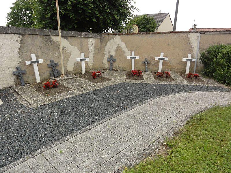 Buissoncourt (M-et-M) carré militaire au cimetière
