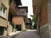 http://upload.wikimedia.org/wikipedia/commons/thumb/5/5a/Bulgaria_sozopol_black-sea-houses.jpg/200px-Bulgaria_sozopol_black-sea-houses.jpg