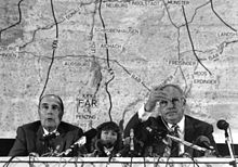 François Mitterrand Chancellor Helmut Kohl, ngày 24 tháng 9 năm 1987 at press conference with microphones