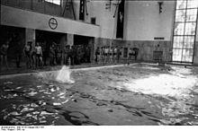 Schwimmhalle finckensteinallee wikipedia for Finckensteinallee schwimmbad