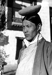 Bundesarchiv Bild 135-S-12-20-17, Tibetexpedition, Taringprinz, Jigme Taring.jpg