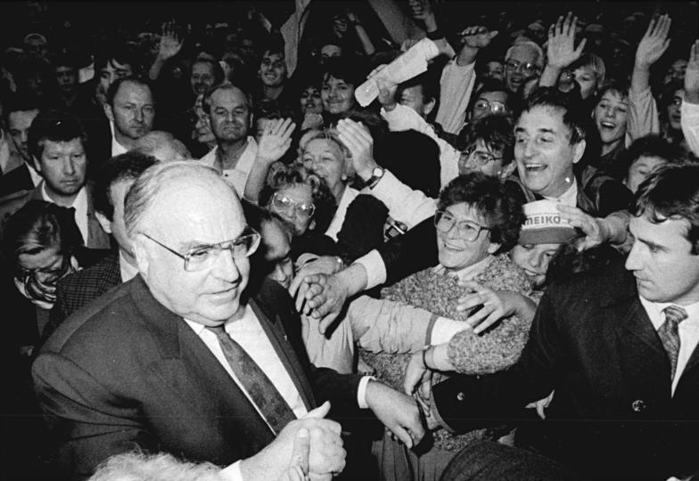 Bundesarchiv Bild 183-1990-0916-021, Dresden, CDU-Wahlveranstaltung, Helmut Kohl