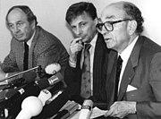 Bundesarchiv Bild 183-1990-1015-011, Berlin, FDP-Präsidium, Pressekonferenz