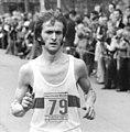 Bundesarchiv Bild 183-R0417-025, Karl-Marx-Stadt, X. Internationaler Marathon, Waldemar Cierpinski.jpg