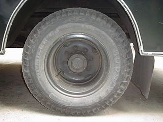 http://upload.wikimedia.org/wikipedia/commons/thumb/5/5a/Bus_Rear_Wheel_-_Kolkata_2006-03-22_04013.JPG/320px-Bus_Rear_Wheel_-_Kolkata_2006-03-22_04013.JPG