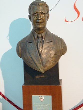 Sevilla FC - Ramón Sánchez-Pizjuán's bust placed at the stadium.