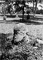 COLLECTIE TROPENMUSEUM Megalitisch beeld afkomstig van Pematang in de tuin van de dokter te Pageralam TMnr 10025737.jpg