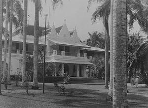Cikini Hospital - Image: COLLECTIE TROPENMUSEUM Ziekenhuis te Batavia gevestigd in het voormalige huis van kunstschilder Raden Saleh T Mnr 60043358