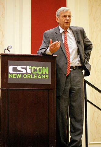 The X-Files (season 7) - Image: CSICON 2011 William B Davis