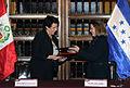 Cancilleres del Perú y Honduras acuerdan suprimir visas de turismo en el marco de Visita Oficial (10875173103).jpg