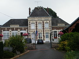 The town hall and school in Cartigny